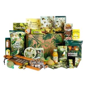Supermarkt kerstpakket met herkenbare producten