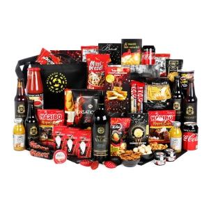 Kerstpakketten vol met artikelen uit de supermarkt
