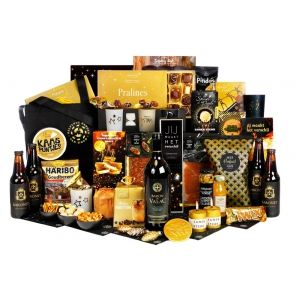 Moderne en trendy kerstpakketten aangevuld met diverse drank en etenswaren